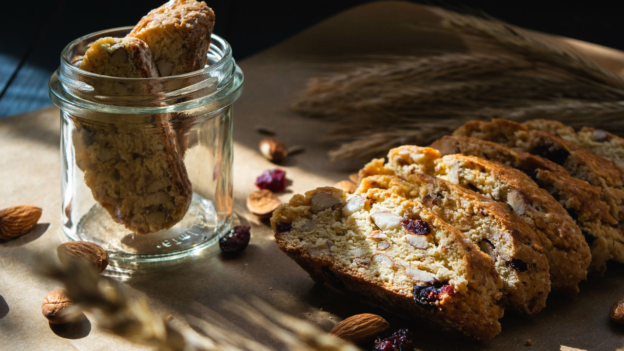 Cranberry and Almond Cookies