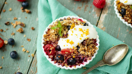 Keelings Baked Berry Breakfast Crumble