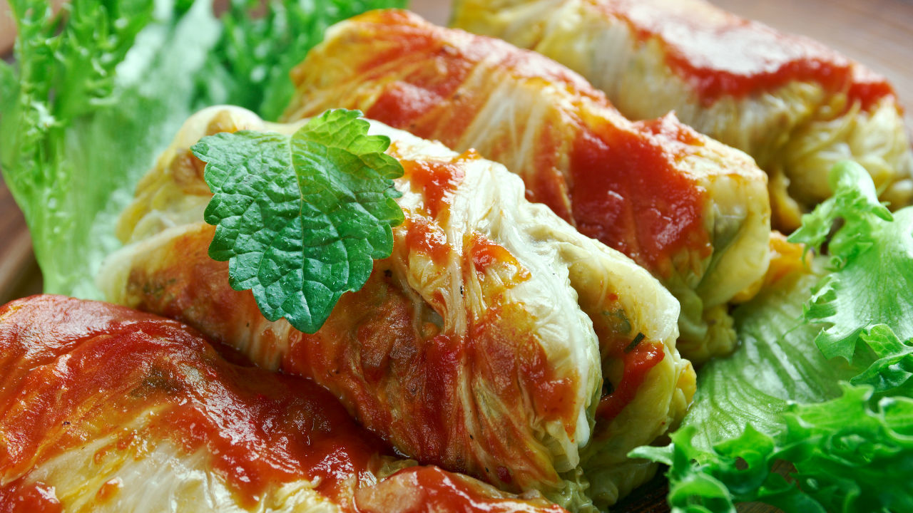 Stuffed cabbage with spicy chipotle sauce