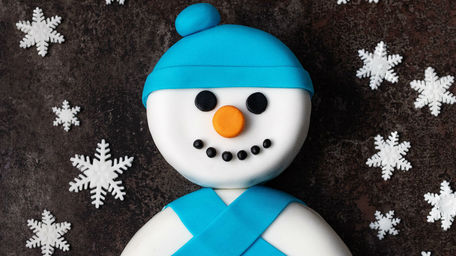 Snowman Chocolate Biscuit Cake