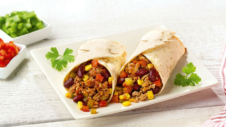 Joes Chili Con Carne Wraps And Irish Cheddar