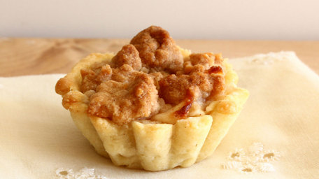Apple Crumble Tartlets
