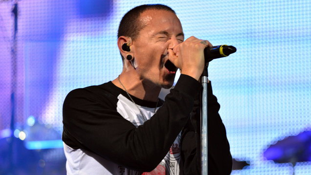 Steve Aoki Honors Chester Bennington with Linkin Park Mashup