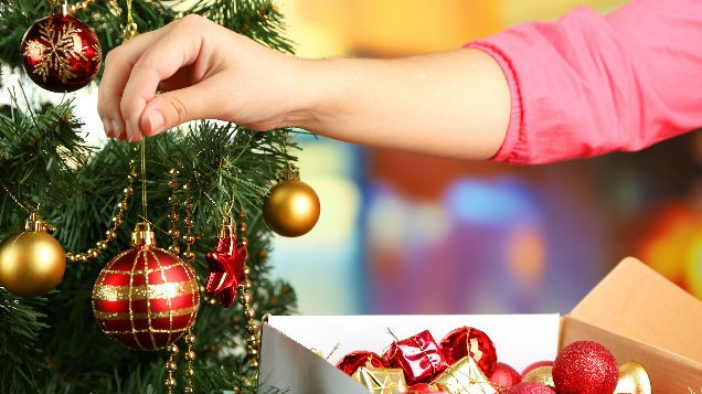 poll when is the right time to put up your christmas tree - When Do You Put Up Your Christmas Tree