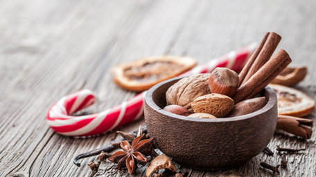 Spiced Christmas Nuts