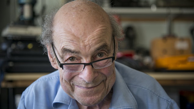 Heinz Wolff dead - Great Egg Race host and scientist suffers heart failure