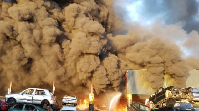 Dublin Fire Brigade battle HUGE blaze at metal recycling centre