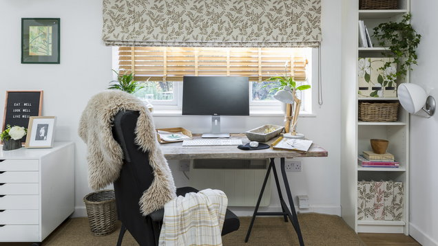 HB-Liz-Earle-Home-Office-Delizia-Taupe-roman-blind-with-Oakwood-faux-wood-blind