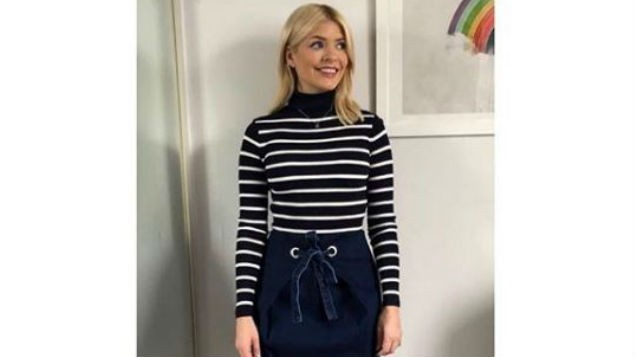 60ab9308013d [PICS] Holly Willoughby?s outfit deemed INAPPROPRIATE for This Morning