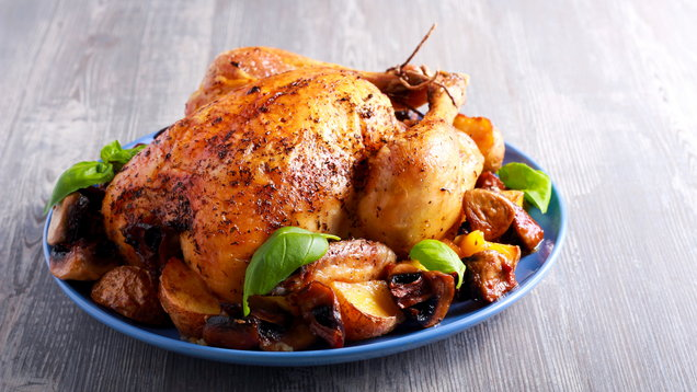 Roast chicken with potato and mushrooms