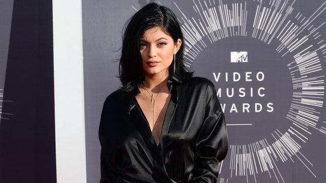 Kylie Jenner Shares An Adorbale Black-And-White Selfie With Daughter, Stormi Webster
