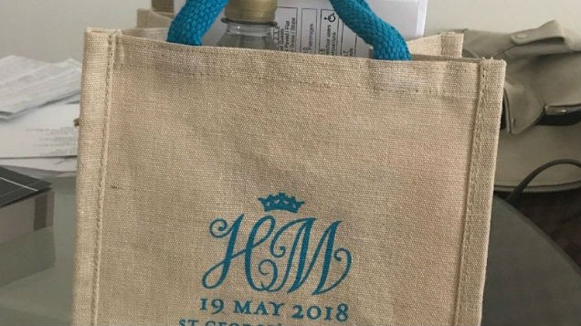 [PICS] Royal wedding guests are SELLING their goodie bags on eBay for up to €8,000