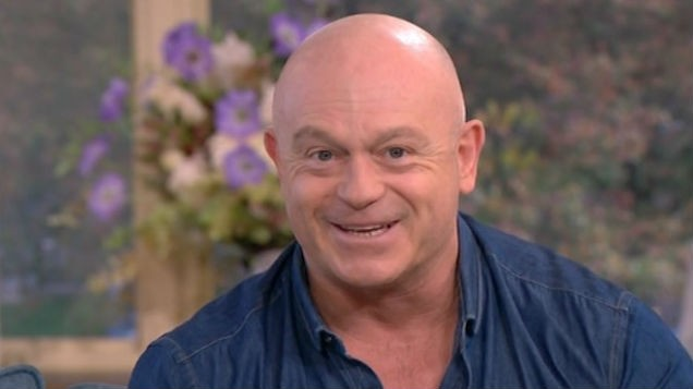 [PIC] Ross Kemp shares sweet snap with on-screen mum Barbara Windsor amid devastating Alzheimer's battle