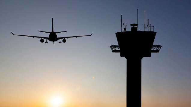 Air traffic controller strike to cause travel CHAOS this weekend