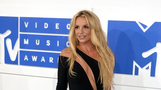 Britney Spears shares throwback picture while wishing her father happy birthday