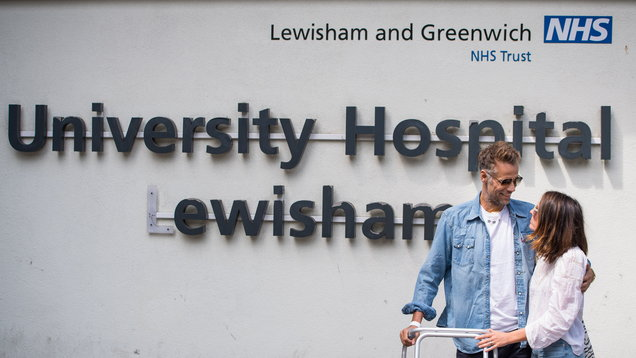 Richard Bacon leaves hospital
