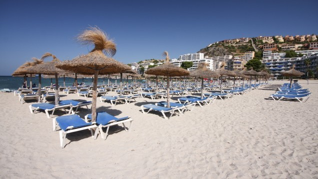 Warning issued to Irish holidaymakers following outbreak of NASTY infection