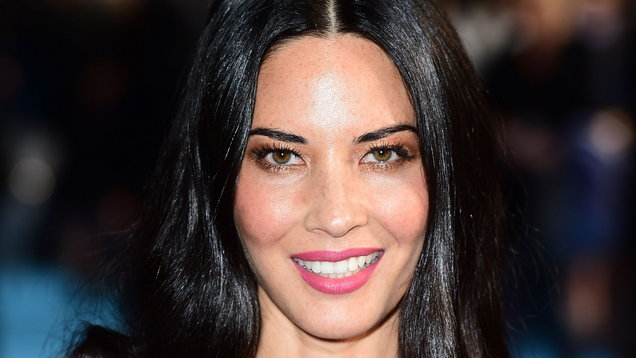 Olivia Munn denies dating rumours