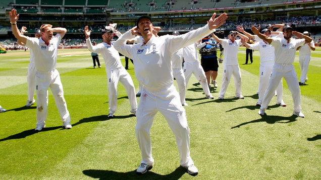 Cricket - 2010 Ashes Series - Fourth Test Match - Day Four - Melbourne Cricket Ground