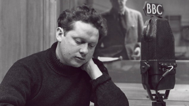 A photo of Dylan Thomas by John Gay, published in1948 (National Portrait Gallery, London)