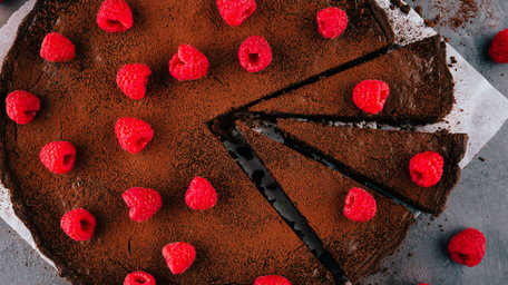 No Bake Chocolate Raspberry Tart