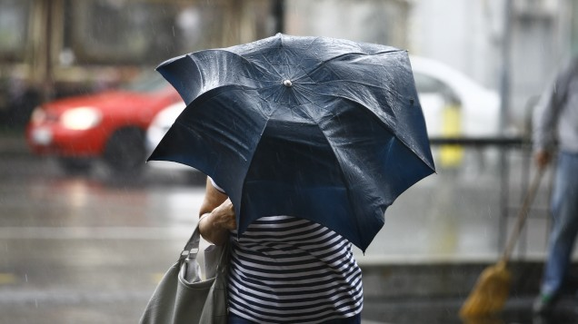 Met Éireann issue NEW status yellow WARNING as storm heads towards Ireland
