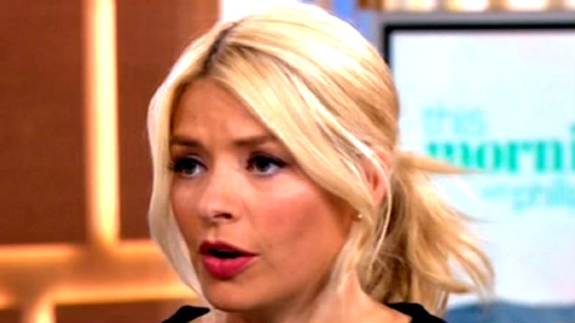 [PIC] Holly Willoughby's dress today costs a WHOPPING amount - and no one's even into it