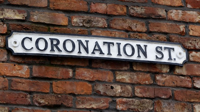 There's a SHOCK romance shaping up in Corrie