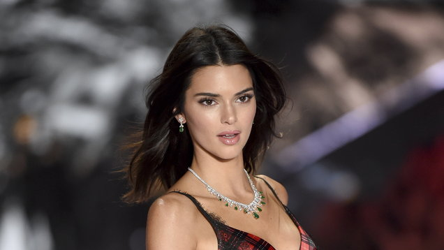 Pics Kendall Jenner And The Hadid Sisters Wow In Victoria S Secret