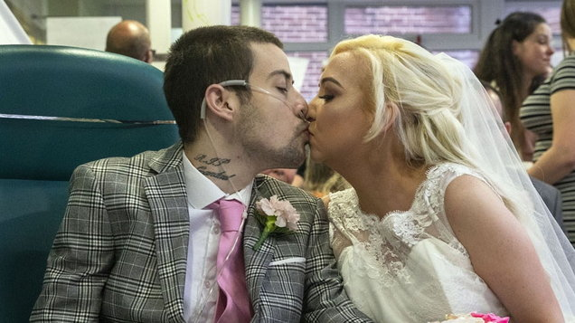 Video: Groom gets his dying wish to marry his bride as they both battle cystic fibrosis