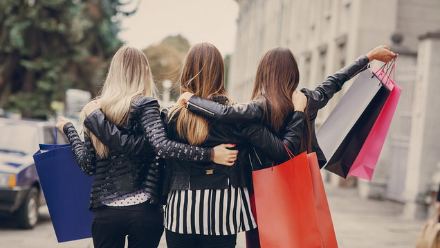 10 reasons why shopping on the high street is better than buying clothes online