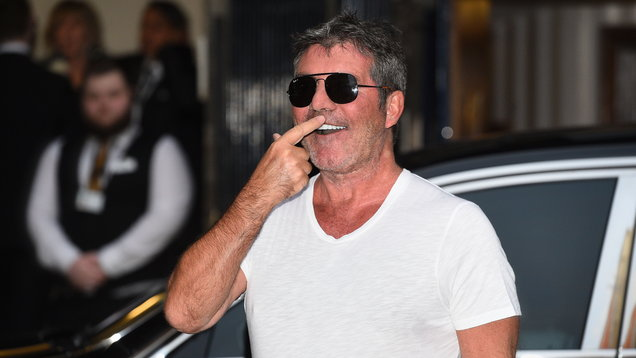 [PIC] Simon Cowell has MAJOR wardrobe mishap as he arrives at Britain's Got Talent