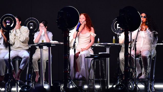 After Jess Glynne goes make-up free at the Brits, 7 convincing reasons to give up wearing it