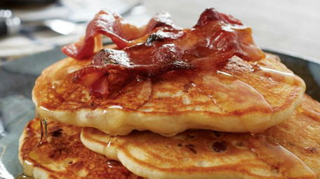 Gingerbread pancakes with crispy bacon n maple syrup