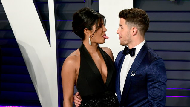 Nick Jonas buys Priyanka Chopra luxury car to celebrate number one single