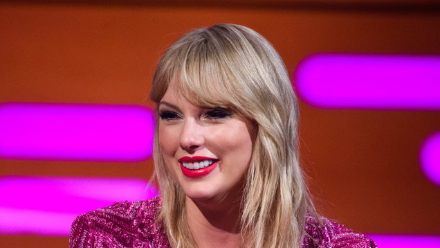 Taylor Swift gives surprise performance at landmark LGBT site in New York