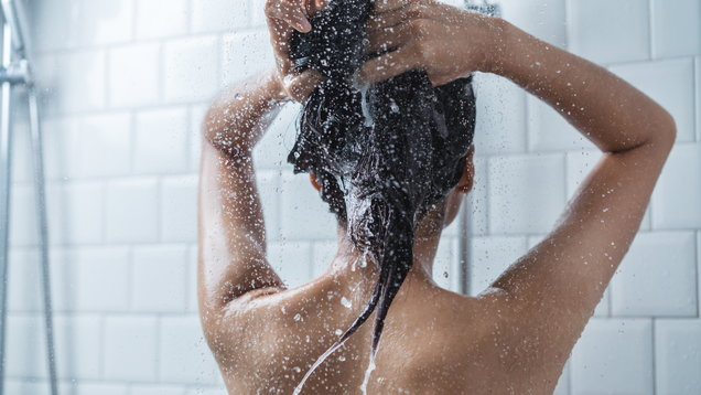 Are you washing your hair wrong? Khloe Kardashian and Kylie Jenner seem to think so