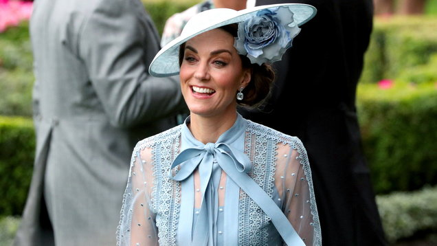 The Queen and the Duchess of Cambridge match in pale blue at Royal Ascot