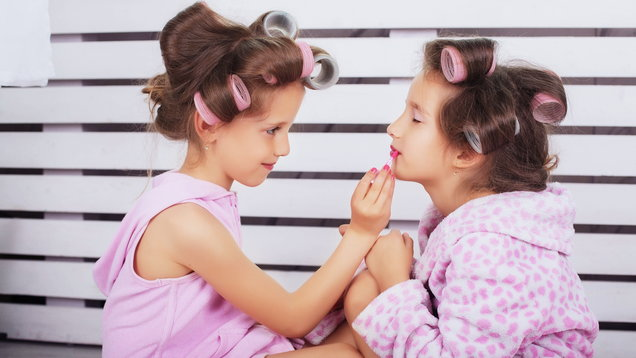What age should children be allowed to wear make-up? We asked an expert