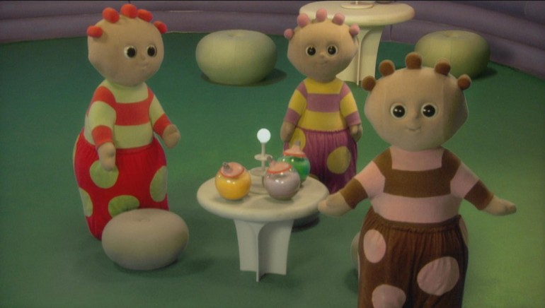 3player | In The Night Garden - Upsy Daisy Dances With The Pontipines